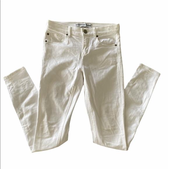 Express Mia Mid Rise White Jean